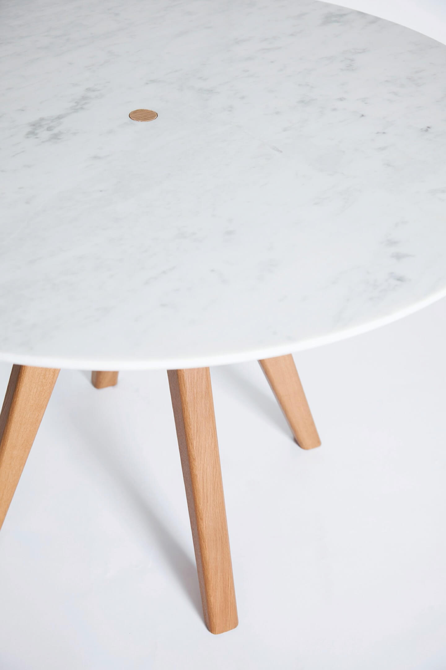 furniture-remix-arthur-table-the-hansen-family-2