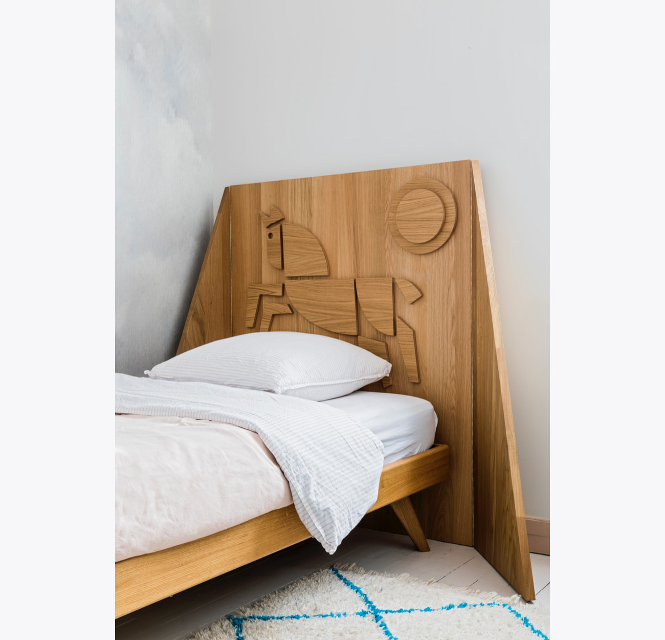 furniture-bed-headboard-horse-the-hansen-family-2